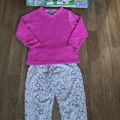 Не пропустите!!!Мягенькая махровая пижамка на девочку 8-10 лет.Состояние новой!