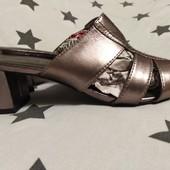 Босоніжки без задніка footglove, р.41/26 см/ є.7,5, сріблясті, натуральна шкіра.