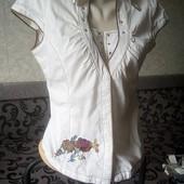 Блуза с розами размер 44-46