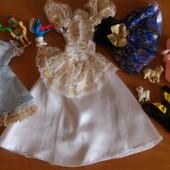 Лот винтажной одежды для Барби плюс лего фигурки