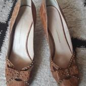 Классные кожаные туфельки сама привезла из Италии размер 39 .5 .по стельке26 см