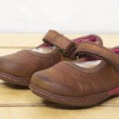 clarks р 22 - 14 см сандалики на девочку