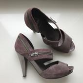 Женские кожанные туфли 38 размер
