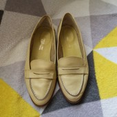 Нежно-лимонные кожаные, итальянские лоферы Pronta fashion. 37 p.