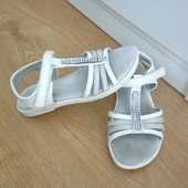 Белые кожаные босоножки Lapsi на девочку 32 р., стелька 20,5 см.