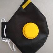 Респиратор черный с желтым клапаном. По цене ставки можно докупить☘️