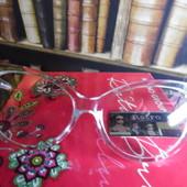 Новинка. Прозрачные имиджевые очки. Новый стиль и защита глаз при работе с людьми. Форма кошки.