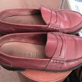 отличные кожаные туфли 39/40р стелька 26 см