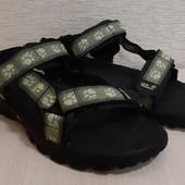 Босоножки,сандалии от Jack wolfskin,oригинал!