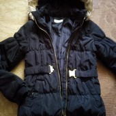 Курточка на девочку 7-9лет. В очень хорошем состоянии.