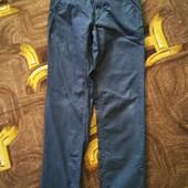 Штаны под джинсы в хорошем состоянии мальчику на рост 146.