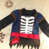 Tu 3-5 , костюм пирата с объемными костями скелета