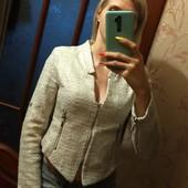 """Фактурный короткий """"золотой"""" пиджак, р.S"""