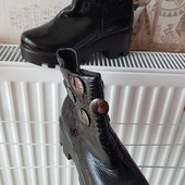 Супер лаковые ботинки. Р.39