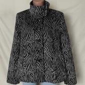 Мягенькое фирменное пальто в отличном состоянии! Грудь-114