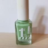 Лак для ногтей Isabelle Dupont, нежный и спокойный цвет.