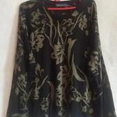 Черный свитерок тонкой вязки,цветочный принт