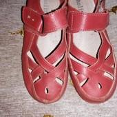 Кожаные летние туфли в отличном состоянии