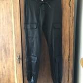 Супер модные брюки карго с манжетами и накладными карманами