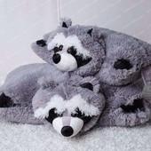 Подушка декоративная в виде зверей.