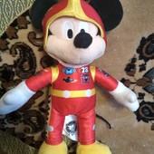 Мики Маус в костюме гонщика,25 см,сост.нового