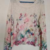 Лёгкий свитерок,цветочный принт в пастельных тонах