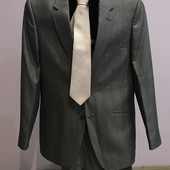 Мужской костюм серый 44-46р галстук в подарок
