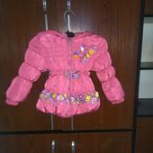 Красивая теплая курточка,состояние отличное,примерно на рост 86 см,смотрите замеры
