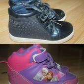 Классные ботиночки для девочки. Лот 1 на выбор. По стельке - синие - 19,5см, розово-фиол - 20,5см