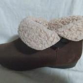 Женские демисезонные ботинки на меху. Длина по стельке 22.5см
