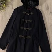 Женское пальто. Размер m. В хорошем состоянии.
