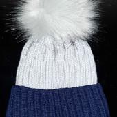 Красивая теплая вязаная подростковая шапочка на флисе