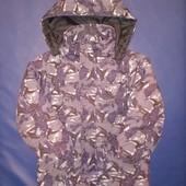 Демисезонная куртка 3-5 лет.