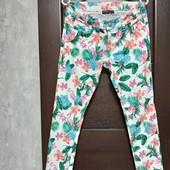 Фирменные красивые коттоновые джинсы-стрейч в отличном состоянии р.12-14