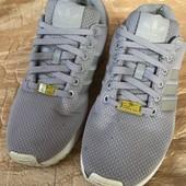 Кросівки унісекс розмір 40 стелька 25 см
