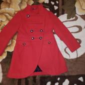 Красиве пальто Georg 5-6р в хорошому стані без плям,загубили 2гудзики