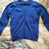 Красивая женская кофта синего цвета