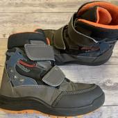 Термо ботиночки Ricosta 31 размер стелька 20 см , динозаврики мигают при ходьбе .