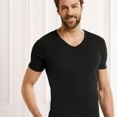 Базова футболка з подовженою спиною. Європейський розмір М
