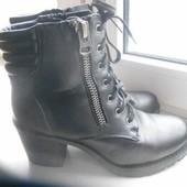 Крутые деми ботинки Cropp разм.39, стелька 25 см