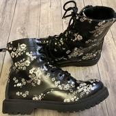 Отличные Деми ботиночки в идеальном состояние 34 размер стелька 22 см