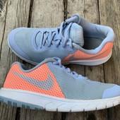 Кроссовки Nike оригинал 35,5 размер стелька 22,5 см