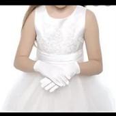 Перчатки белые детские- 4-7лет. Дополните образ.