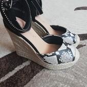 Не пропустите! Красивейшие туфли на платформе, р.35-36