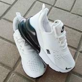 Стильные женские кроссовки в стиле  Nike.