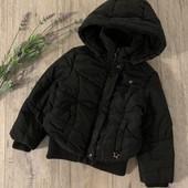 Зимняя куртка для девочки 6 лет. В хорошем состоянии.
