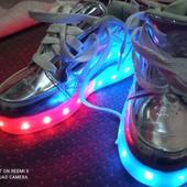 Роликовые светящиеся кроссовки Heelys