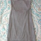 Итальянское облегающее платье XS/S с красивой спинкой