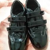 Туфли девочке.