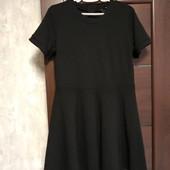 Фирменное красивое трикотажное платье в отличном состоянии р 14-16